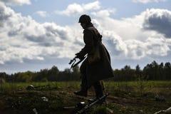 德国战士 历史重建,战斗在二战期间的战士 免版税图库摄影