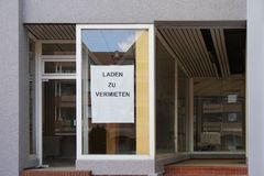 德国标志读租的商店 免版税库存照片