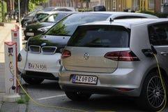 德国电车在e的VOLKS WAHEN和BMW 在 免版税库存图片