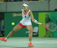 德国的奥林匹克亚军安赫利奎・克柏行动的在网球妇女的期间选拔里约2016年奥运会的决赛 免版税库存照片
