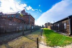 德国纳粹集中和灭绝阵营世界遗产奥斯威辛比克瑙,波兰的电有刺的导线 库存照片