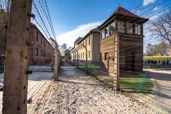 德国纳粹集中和灭绝阵营世界遗产奥斯威辛比克瑙,波兰的电有刺的导线 免版税库存照片