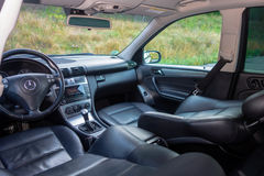 德国豪华大型高级轿车内部-轿车,皮革位子 免版税库存图片