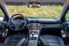 德国豪华大型高级轿车内部-轿车,皮革位子 免版税图库摄影