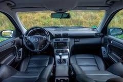 德国豪华大型高级轿车内部-轿车,皮革位子 库存照片
