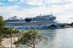 德国豪华游轮阿伊达3月在港口 免版税库存图片