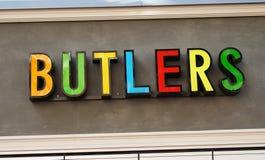 德国零售公司男管家卖家庭辅助部件装饰家具 免版税库存照片