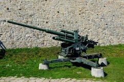 德国高射炮38 105 mm高射炮在贝尔格莱德军事博物馆塞尔维亚 免版税库存图片