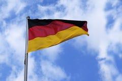 德国,在红色的条纹,黑,金子,国家标志的旗子 免版税图库摄影
