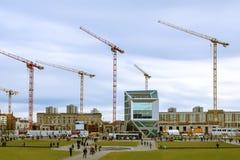 德国,柏林,08 02 2014年 在工地工作的建筑用起重机在柏林 库存图片