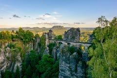 德国,萨克森 在国家公园撒克逊人瑞士的Bastei桥梁 免版税库存照片