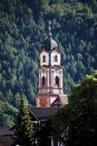德国,巴伐利亚,米滕瓦尔德,教会圣皮特圣徒・彼得和保罗, Churchtower 库存图片