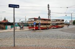 德国 在剧院正方形的公共汽车在德累斯顿 2016年6月16日 免版税库存照片