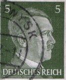 德国-大约1942年:在德国打印的邮票显示阿道夫・希特勒画象,大约1942年 免版税库存照片