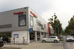 德国-2012年5月30日:赌博娱乐场在因戈尔施塔特村庄销售的中心在慕尼黑附近的 免版税库存图片