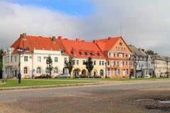 德国建筑的大厦的Angerap旅馆胜利广场的在市Ozyorsk 免版税库存图片