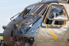 从德国ch53运输直升机的驾驶舱 库存图片