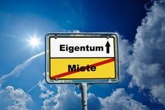德国roadsign在弗兰肯塔尔Pfalz 免版税图库摄影