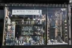 德尔福特瓦器商店在阿姆斯特丹 免版税库存照片
