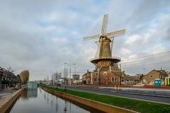 德尔福特,荷兰- DEC 19日2017年:一条新的运河是修造在德尔福特,荷兰 免版税库存图片