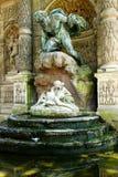 德梅迪西斯喷泉在卢森堡庭院里 库存照片