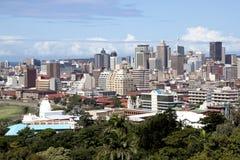 德班市地平线和大厦概要 免版税库存照片