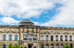 德累斯顿画廊的壮观的哥特式门面 德累斯顿举世闻名的地标,萨克森的首都 免版税库存图片