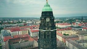 德累斯顿香港大会堂钟楼和都市风景,德国鸟瞰图  股票录像