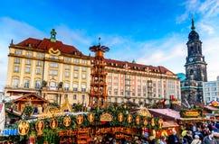 德累斯顿,在圣诞节的德国- Striezelmarkt 免版税库存图片