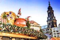 德累斯顿,在圣诞节的德国- Striezelmarkt 库存图片