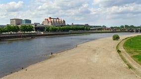 德累斯顿-在河'易北河的'最低水位 库存图片