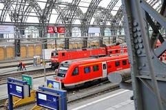 德累斯顿hauptbahnhof平台培训 免版税库存图片