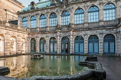 德累斯顿Zwinger的喷泉在德国的萨克森 库存照片