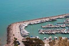德西迪Bou说在陆间海的游艇口岸 免版税库存照片