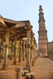 德里印度minar新的qutb 免版税图库摄影