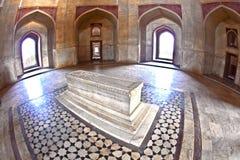 德里圆顶humayun镶嵌了红色s砂岩样式坟茔冠上白色的做的大理石陵墓大人物 免版税库存图片