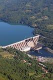 德里纳河河的水电站 免版税图库摄影