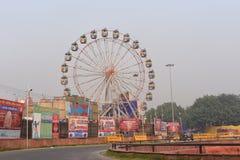 德里,印度:2015年10月18日:乘dusshera印地安节日的机会被设定的狂欢节在德里红堡,德里,印度 库存照片