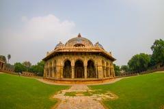 德里,印度- 2017年9月19日:关闭Isa humayum坟茔复合体的,新德里可汗Niazi一个美丽的坟茔  图库摄影
