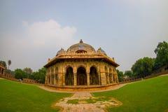 德里,印度- 2017年9月19日:关闭Isa humayum坟茔复合体的,新德里可汗Niazi一个美丽的坟茔  库存照片