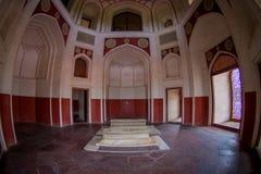 德里,印度- 2017年9月19日:Humayun s坟茔的室内看法,德里,印度 联合国科教文组织世界遗产名录站点,它是 免版税库存照片