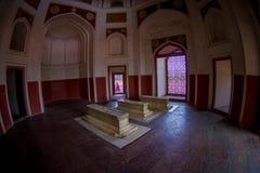德里,印度- 2017年9月19日:Humayun s坟茔的室内看法,德里,印度 联合国科教文组织世界遗产名录站点,它是 免版税库存图片