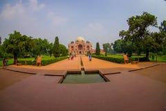 德里,印度- 2017年9月19日:Humayun s坟茔,德里,印度美丽的景色  联合国科教文组织世界遗产名录站点,它是 库存照片
