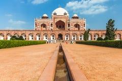 德里,印度- 2014年9月19日, :Humayun的坟茔, 2014年9月19日,德里,印度的联合国科教文组织世界遗产名录白天看法  免版税库存图片