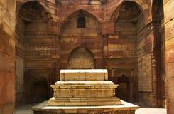 德里iltumish印度minar qutab坟茔 免版税库存照片