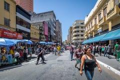 25德马尔科街,普遍的购物街道在街市圣保罗-圣保罗,巴西 免版税库存照片
