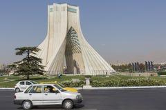 德黑兰,伊朗- 2016年10月03日:Azadi塔位于Azadi S 图库摄影