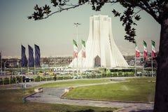 德黑兰,伊朗- 2016年10月03日:Azadi塔位于Azadi S 免版税库存图片