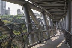 德黑兰,伊朗- 2016年10月05日:Tabiat钢桥梁联络tw 图库摄影