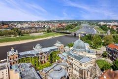 德累斯顿和易北河,德国 全景城镇视图 免版税图库摄影
